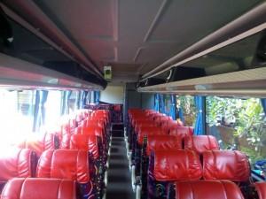 sewa bus dengan toilet